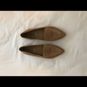 Steve Madden Nude Sueded Flats